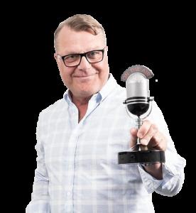 Radio Voiman juontaja ja päätoimittaja Matti Eve